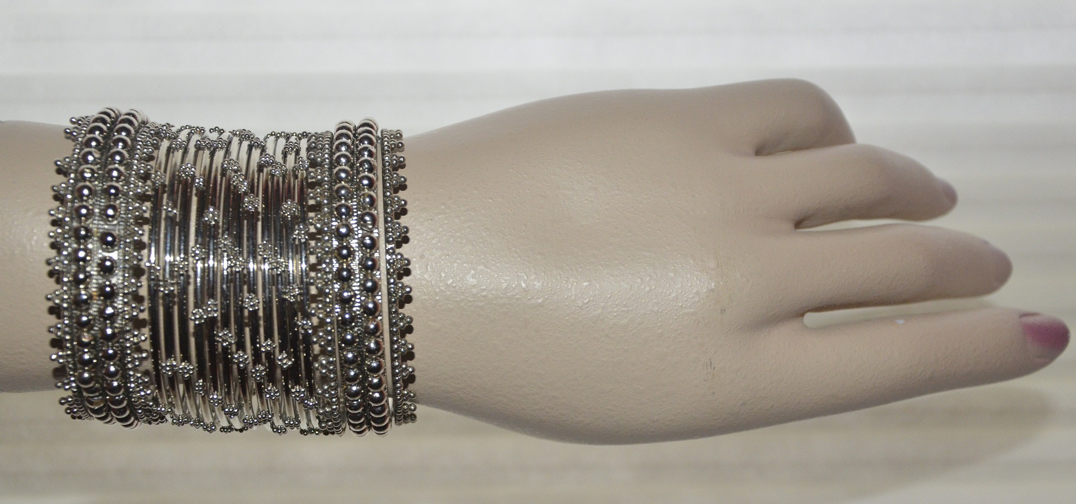 Style Up Your Wrists Indian Clothing In Nj